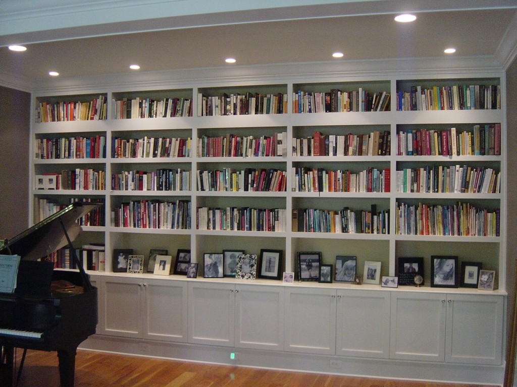 229 Brook Family Room Bookshelves